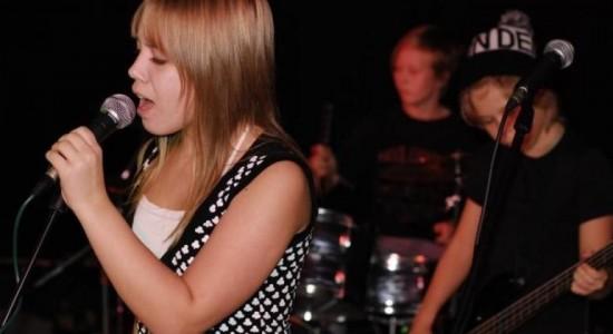 nuorten bändileiri